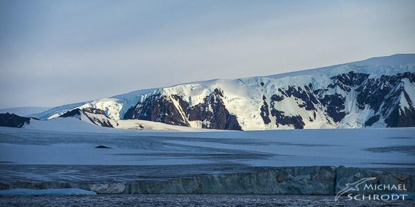 Die Antarktis ist einer der letzten intakten Flecken Erde. Mit meinem Buch und anschließenden Vorträgen möchte ich das Bewusstsein schärfen, dass diese Plätze schützenswert sind.