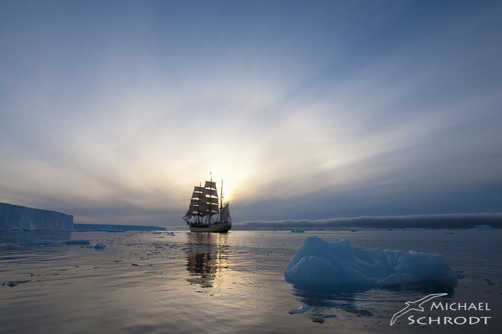 Segler Antarktis Expedition Eisberg Sturmfront
